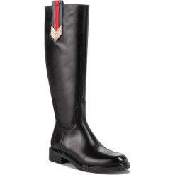 Oficerki CARINII - B4631 E50-000-PSK-D12. Czarne buty zimowe damskie Carinii, ze skóry, na obcasie. Za 599,00 zł.