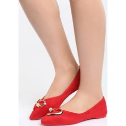 Czerwone Balerinki All Your Wishes. Czerwone baleriny damskie Born2be, z lakierowanej skóry, na obcasie. Za 59,99 zł.