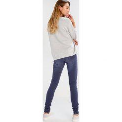 Freeman T. Porter CORALIE Jeansy Slim Fit blue nights. Niebieskie jeansy damskie marki Freeman T. Porter. W wyprzedaży za 303,20 zł.