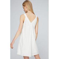 Roxy - Sukienka. Białe sukienki mini marki Roxy, l, z nadrukiem, z materiału. W wyprzedaży za 199,90 zł.