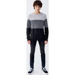 Miękkie jeansy super skinny fit. Czarne jeansy męskie relaxed fit marki Pull&Bear, m. Za 129,00 zł.