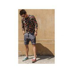 Button drill short pants krótkie spodenki szare. Brązowe spodenki i szorty męskie marki N/A, w kolorowe wzory. Za 399,00 zł.