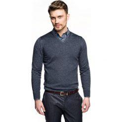 Sweter nagel w serek granatowy 0001. Niebieskie swetry klasyczne męskie Recman, m, z dekoltem w serek. Za 169,00 zł.
