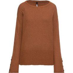 Sweter dzianinowy z guzikami w optyce masy rogowej: must have bonprix kasztanowy brąz. Brązowe swetry klasyczne damskie marki bonprix, z dzianiny. Za 109,99 zł.