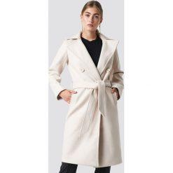 Rut&Circle Długi płaszcz Tove - Beige. Zielone płaszcze damskie marki Rut&Circle, z dzianiny, z okrągłym kołnierzem. Za 364,95 zł.