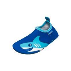 Playshoes  Buty do wody Rekin uni blue - niebieski - Gr.Moda (6 - 24 miesięcy ). Niebieskie buciki niemowlęce chłopięce marki Born2be, z materiału, z okrągłym noskiem, na obcasie. Za 49,00 zł.