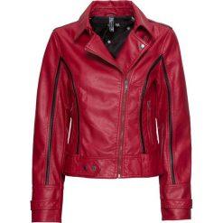 Kurtka biker ze sztucznej skóry bonprix ciemnoczerwono-czarny. Czerwone kurtki damskie bonprix, ze skóry. Za 139,99 zł.