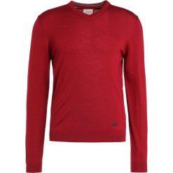 Swetry klasyczne męskie: Armani Collezioni BASIC Sweter rosso
