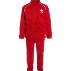 Adidas Originals SET Kurtka sportowa scarle. Czerwone kurtki dziewczęce sportowe marki Reserved, z kapturem. Za 199,00 zł.