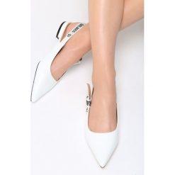 Białe Sandały Blood Diamonds. Białe sandały damskie vices, na płaskiej podeszwie. Za 69,99 zł.