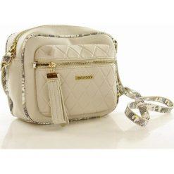 Life-stylowa listonoszka beżowa TRINITY. Brązowe torby na ramię męskie marki Monnari, w paski, ze skóry ekologicznej, przez ramię. Za 139,00 zł.