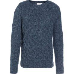 CLOSED Sweter green. Zielone swetry klasyczne męskie marki CLOSED, l, z elastanu. W wyprzedaży za 433,95 zł.