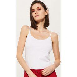 Topy damskie: Top na cienkich ramiączkach – Biały