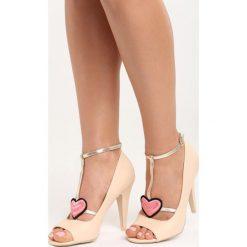 Beżowe Sandały Love Story. Brązowe sandały damskie marki Born2be, z haftami, na wysokim obcasie. Za 79,99 zł.