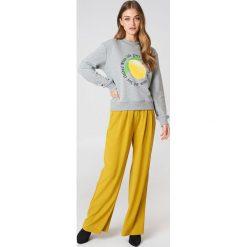 Rut&Circle Bluza Lemon - Grey. Zielone bluzy z nadrukiem damskie marki Rut&Circle, z dzianiny, z okrągłym kołnierzem. Za 121,95 zł.