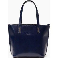 Skórzana Torebka Granatowa la pelle facciale. Niebieskie torebki klasyczne damskie Vera Pelle, z aplikacjami, ze skóry, duże, z aplikacjami. Za 329,00 zł.