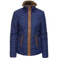 Kurtka pikowana ze sztucznym futerkiem bonprix kobaltowy. Niebieskie kurtki damskie pikowane marki bonprix, z materiału. Za 59,99 zł.