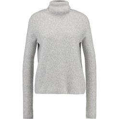 Swetry klasyczne damskie: Samsøe & Samsøe NORTON  Sweter grey mel