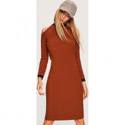 Sukienka z wycięciami na ramiona - Bordowy. Czerwone sukienki na komunię marki Reserved, l. Za 119,99 zł.