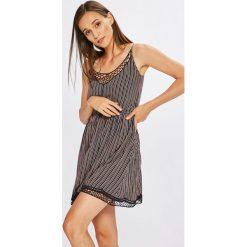 Review - Sukienka. Szare sukienki mini marki Review, l, z tkaniny, z okrągłym kołnierzem. Za 149,90 zł.