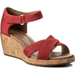 Sandały damskie: Sandały CLARKS – Un Plaza Cross 261323274 Red Nubuck