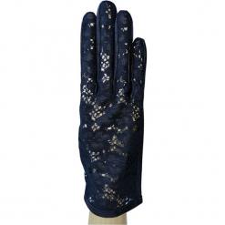 Skórzane rękawiczki w kolorze czarnym. Czarne rękawiczki damskie marki Vicente Milano, z koronki. W wyprzedaży za 259,95 zł.