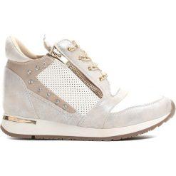 Białe Sneakersy Slow Creep. Białe sneakersy damskie Born2be, z materiału. Za 89,99 zł.