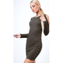 Sukienka z perełkami z prążkowanego materiału khaki 6647. Brązowe sukienki z falbanami Fasardi, l, prążkowane. Za 49,00 zł.