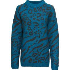 Sweter w cętki leoparda: MUST HAVE bonprix niebieski oceaniczny leo. Niebieskie swetry klasyczne damskie bonprix. Za 99,99 zł.