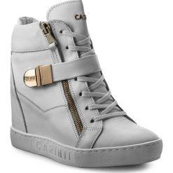 Sneakersy CARINII - B4095 G34-000-PSK-B88. Białe sneakersy damskie Carinii, ze skóry. W wyprzedaży za 279,00 zł.