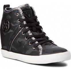 Sneakersy GUESS - FLJLY3 FAB12 BLACK. Czarne sneakersy damskie Guess, z materiału. Za 529,00 zł.