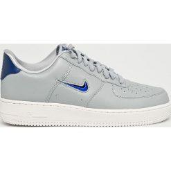 Nike Sportswear - Buty Air Force. Szare halówki męskie Nike Sportswear, z gumy, na sznurówki. Za 469,90 zł.