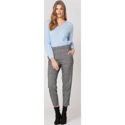Minimum Spodnie Sofja - Grey,Multicolor. Szare swetry klasyczne damskie Minimum, z tkaniny. W wyprzedaży za 88,49 zł.