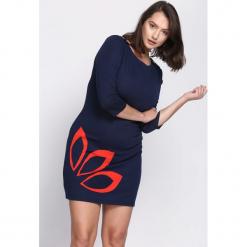 Granatowa Sukienka Echo Arms. Niebieskie sukienki Born2be, xl, oversize. Za 24,99 zł.