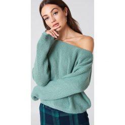 Swetry damskie: Josefin Ekström for NA-KD Krótki sweter z dzianiny – Green