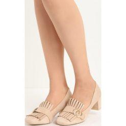 Beżowe Czółenka Nigella. Brązowe buty ślubne damskie Born2be, z aplikacjami, ze skóry, na niskim obcasie, na słupku. Za 59,99 zł.