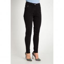 Czarne spodnie jeansy z cekinami QUIOSQUE. Czarne spodnie z wysokim stanem QUIOSQUE, z jeansu. Za 179,99 zł.