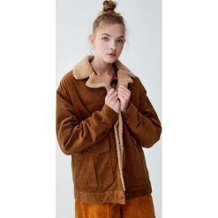 Sztruksowa kurtka w stylu vintage. Szare kurtki damskie marki Pull&Bear, ze sztruksu. Za 229,00 zł.