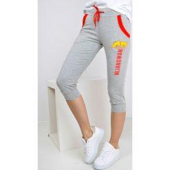 Spodnie dresowe damskie: Dresowe bermudy z nadrukiem dwa misie