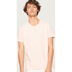 T-shirt - Różowy. Czerwone t-shirty męskie marki Reserved, l. W wyprzedaży za 29,99 zł.