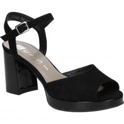 SANDAŁY NESSI 80406. Czarne sandały damskie marki Nessi, z materiału, na obcasie. Za 189,99 zł.