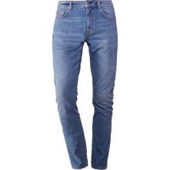 J.LINDEBERG JAY NORSE Jeansy Slim Fit mid blue. Niebieskie jeansy męskie relaxed fit J.LINDEBERG. Za 569,00 zł.
