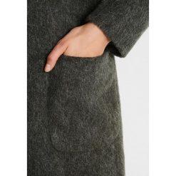 Płaszcze damskie pastelowe: Karen by Simonsen OMAGE COAT Płaszcz wełniany /Płaszcz klasyczny moss green