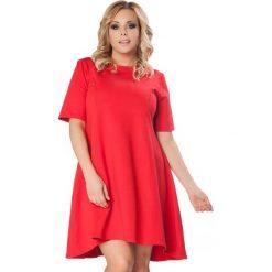Czerwona Rozkloszowana Sukienka z Wydłużonym Tyłem PLUS SIZE. Czerwone sukienki dzianinowe marki bonprix, kopertowe. Za 169,90 zł.