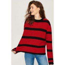 Sweter w paski - Czerwony. Czerwone swetry klasyczne damskie Sinsay, l. Za 59,99 zł.