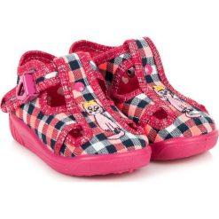 Buciki niemowlęce chłopięce: RAWEKS Buty dziecięce w kratę z kotkiem McKenzie różowe r. 25
