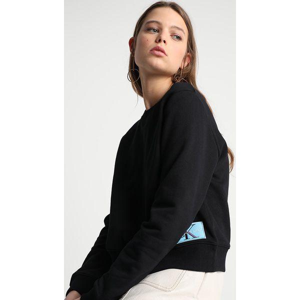 d216c1ed33b29 Calvin Klein Jeans MONOGRAM LOGO BADGE Bluza ck black - Czarne bluzy ...