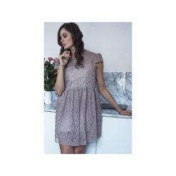 Sukienka Hana. Brązowe sukienki koronkowe Kozacki Mops, l, w koronkowe wzory, z krótkim rękawem, mini. Za 299,00 zł.