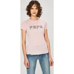 Pepe Jeans - Top Madi. Szare topy damskie Pepe Jeans, l, z nadrukiem, z bawełny, z okrągłym kołnierzem. W wyprzedaży za 79,90 zł.