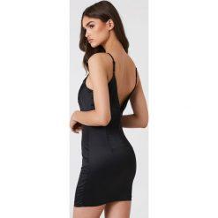 Sukienki hiszpanki: Bardot Sukienka na ramiączkach z aplikacją – Black